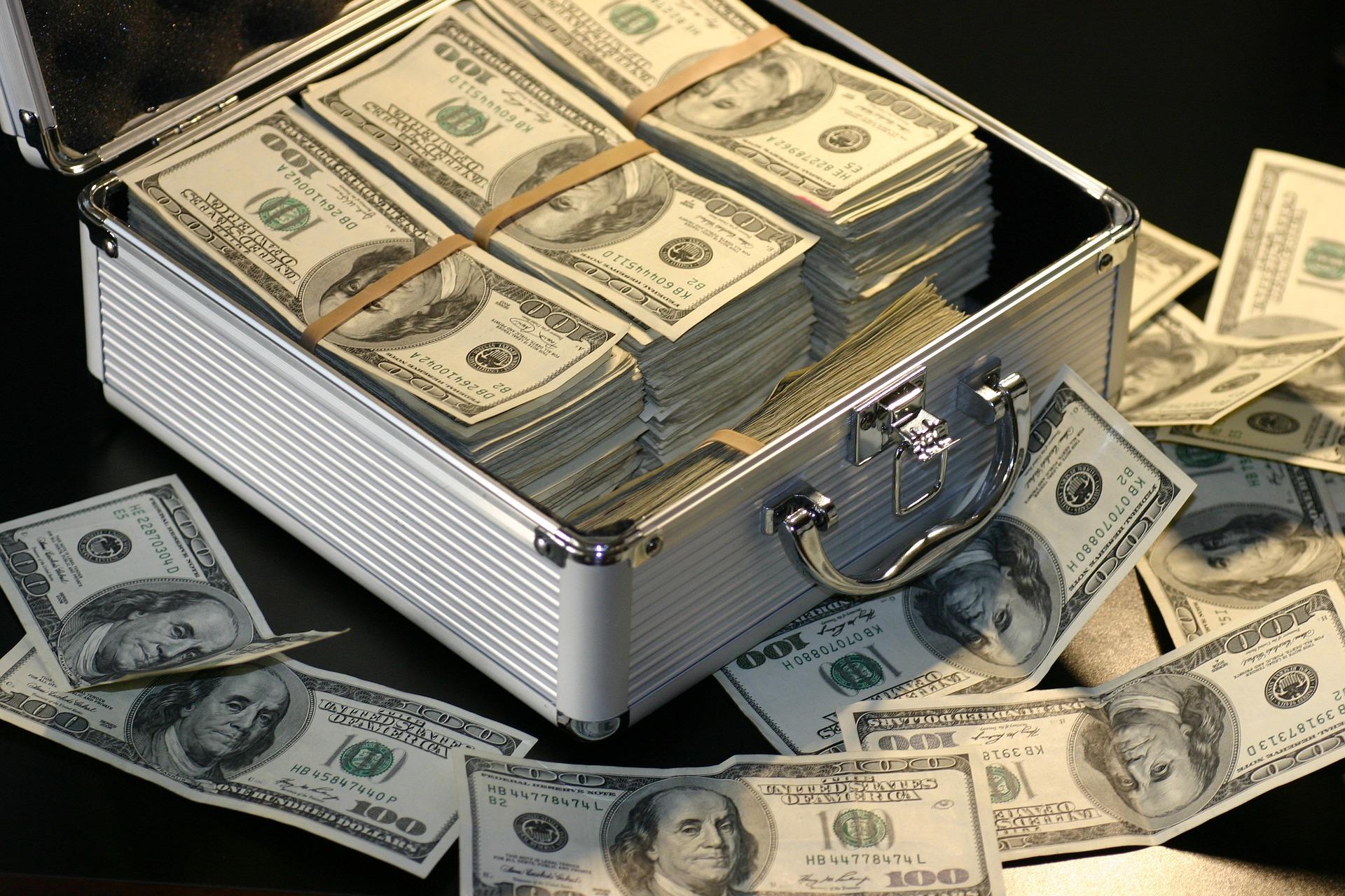 【実話】ネズミ講、マルチ商法は違法?合計34万円騙された僕の見解